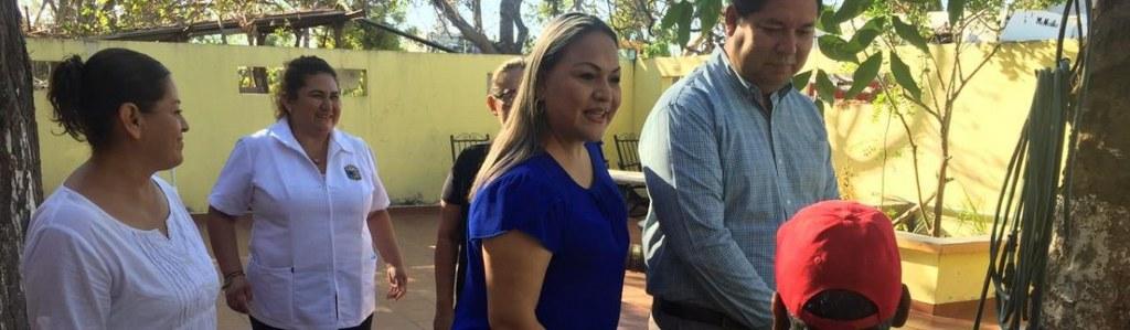 "Atienden autoridades municipales a adultos mayores de asilo ""San Franciscos de Asís""."