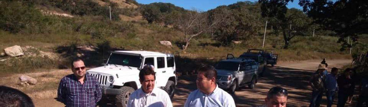 Visita Alcalde presa Santa María en compañía de diputados locales.
