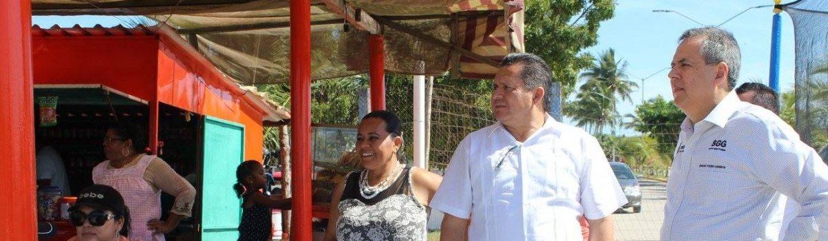Buena afluencia turística en Escuinapa, en periodo vacacional.