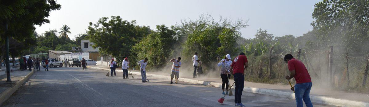 Realizan jornada de limpieza en el Malecón Siglo XXI