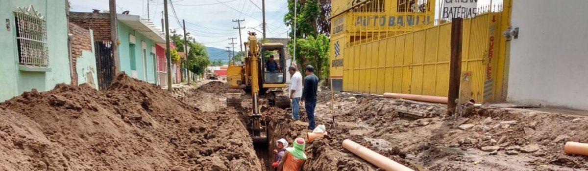 Inicia la introducción de la red de drenaje en la Francisco Pérez