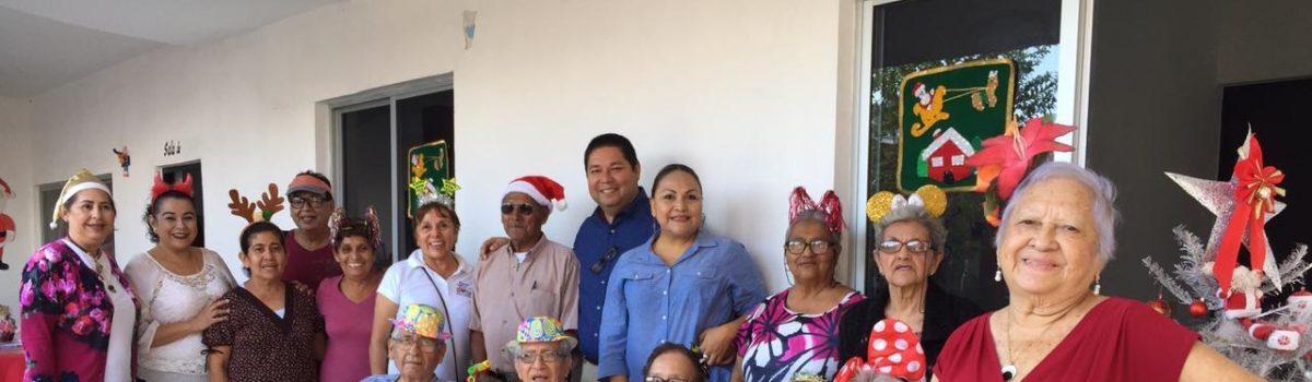 Visita y convive alcalde con abuelitos de Casa Diurna.