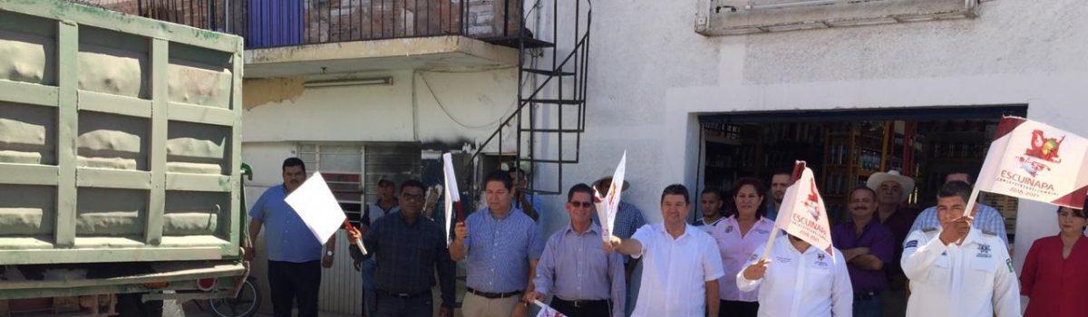 Presidente municipal dio inicio de banderazo al programa de bacheo en el municipio.