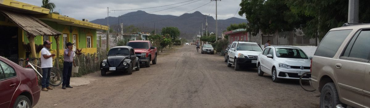 Se compromete Alcalde con pozo de agua y pavimentación de calle principal de la comunidad de Tecualilla.