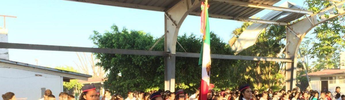 Encabezan autoridades municipales lunes cívico en secundaria SNTE 53.