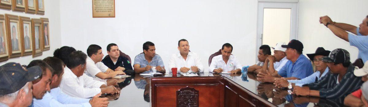 Alcalde Hace Compromisos con Síndicos y Comisarios