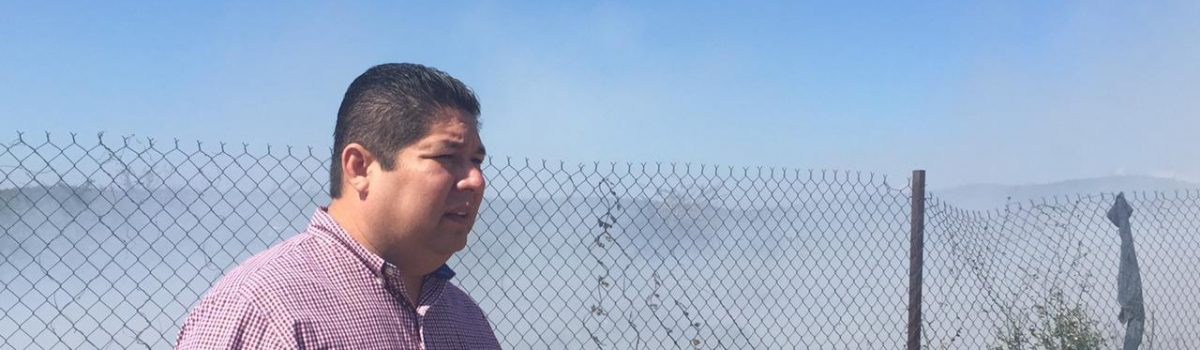 Llama alcalde a evitar quema de basura en acceso a basurón.