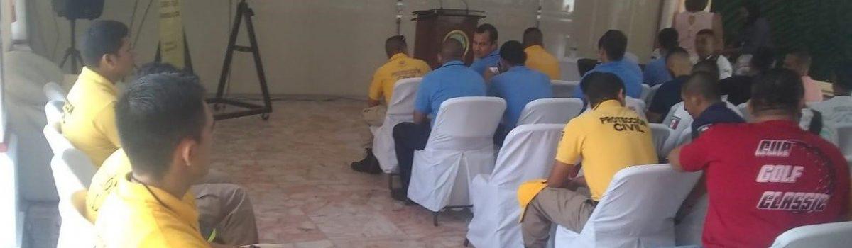 Reciben elementos de Protección Civil capacitación de rescate en Secretaría de Marina.