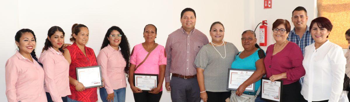 Reconoce IMMUJER a mujeres promotora de la lucha contra la violencia en la familia.