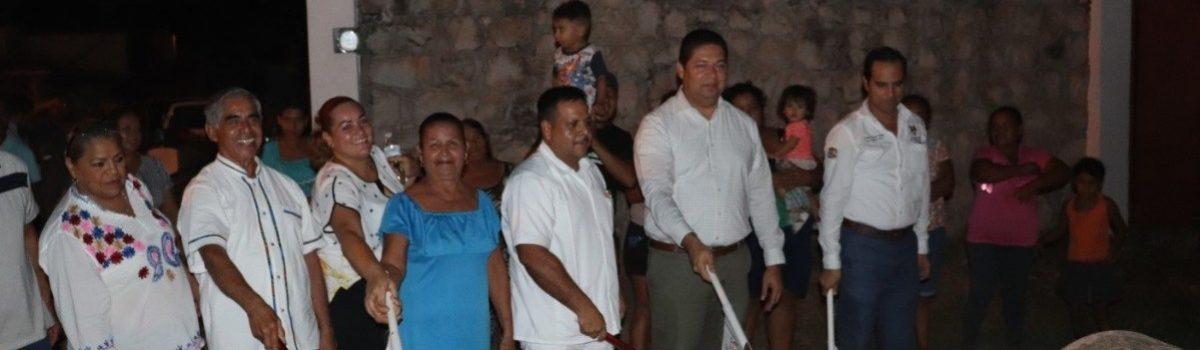 CONTINUAN BANDERAZOS DE OBRAS DE DRENAJE Y TOMAS DOMICILIARAS EN CABECERA MUNICIPAL.