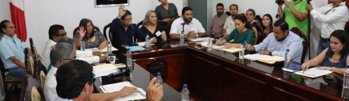 Dr. Emmett Soto Grave, presidente municipal, rinde su primer informe de labores 2018-2019: resalta inversión de 120 millones de pesos.