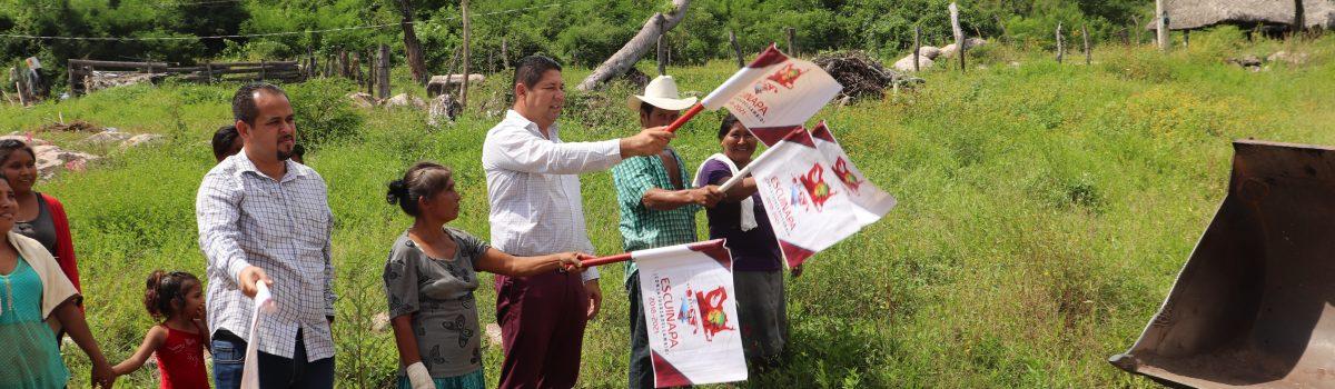 Abandera presidente municipal reinicio de obra en tramo Las Pilas-Aguacaliente.