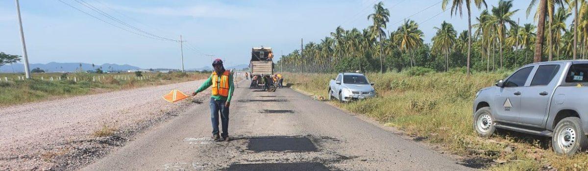 Realiza Obras Públicas bacheo en el tramo Celaya- Isla del Bosque.