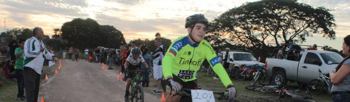 Ciclistas en busca de la Olimpiada Estatal 2016