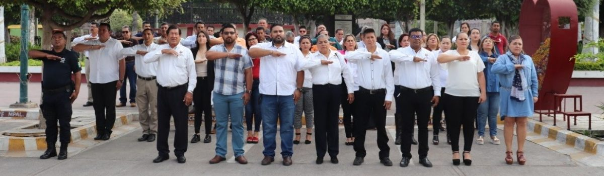 Autoridades municipales conmemoran el 76 aniversario de fundación de las Fuerza Aérea Mexicana.