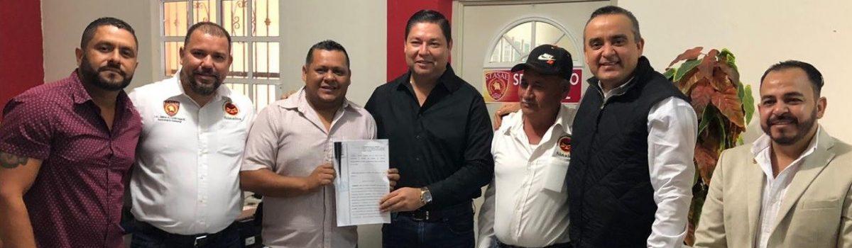 Gobierno Municipal y CATEM entregan toma de nota a sindicato de músicos de Escuinapa.