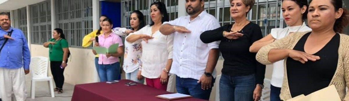 "Lunes cívico en preescolar ""Juan Escutia"" de la colonia Paredones."