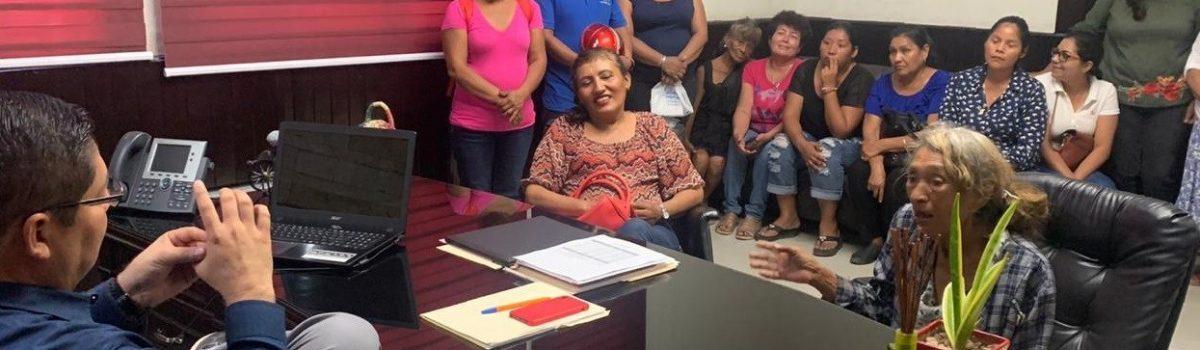 Alcalde subirá 20 por ciento en salario a jefas y jefes de familias que limpian calles de Escuinapa.