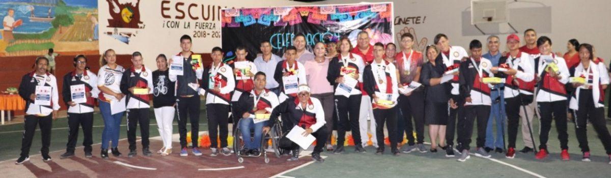 Condecora Gobierno Municipal medallas a ganadores de Paralimpiada Nacional, en Colima.