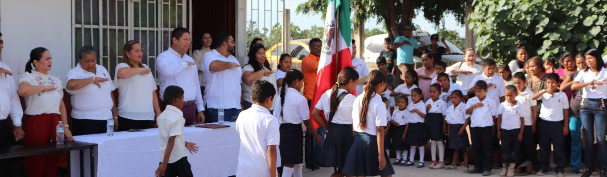 Autoridades municipales atenderán demandas en comunidad del Tecomatillo: asegura Alcalde en lunes cívico en escuela de Conafe.
