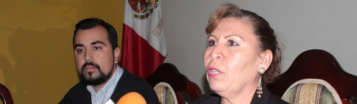 Paola Calzada Nevares, presentó su libro «La Ventana Azul»