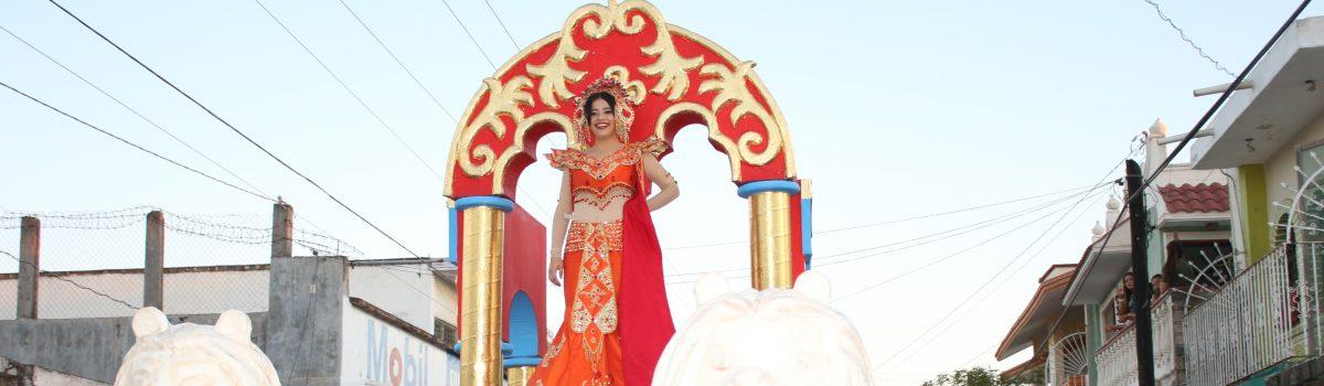 Con desfile de carros alegóricos culmina el carnaval de Teacapán.