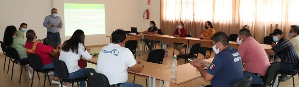Funcionarios y servidores públicos reciben taller de protocolos para contener COVID-19 en oficinas gubernamentales.