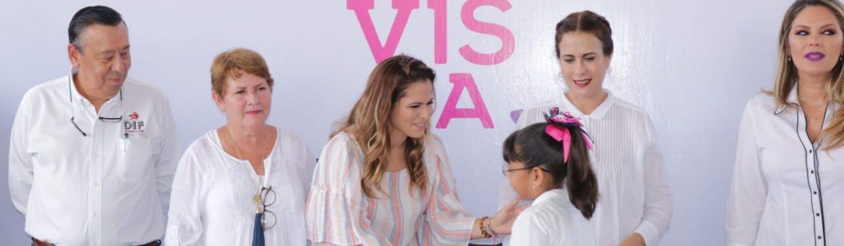 Visita Rosy Fuentes de Ordaz Cristo Rey para poner en marcha segunda etapa de programa «Futuro a la Vista»