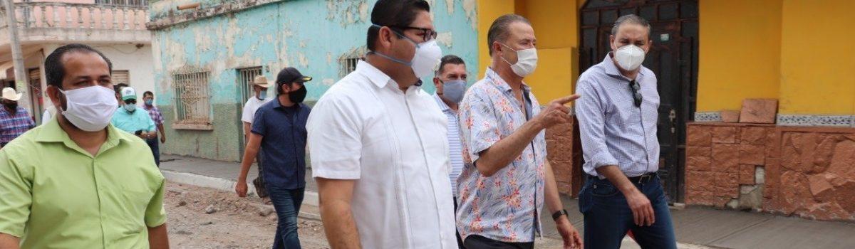 Gobernador y presidente municipal realizan recorrido de supervisión en la obra de calle México y cárcamo de rebombeo en la sindicatura de La Concha