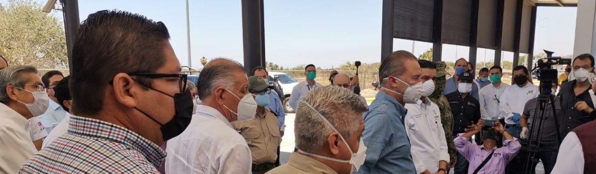 Soto Grave acompaña al Gobernador Quirino Ordaz Coppel a firma de convenio para atención de emergencia entre Sinaloa y Nayarit.