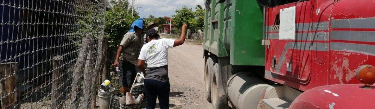 Gobierno municipal de Escuinapa recolecta cerca de 15 toneladas de cacharros en comunidad de Tecualilla.
