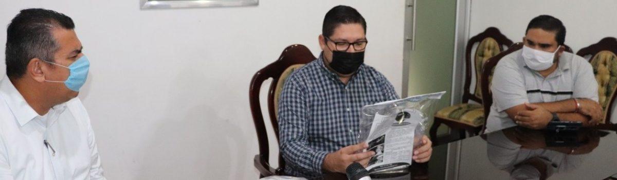 Recibe Ayuntamiento de Escuinapa 300 caretas sanitarias por parte de la UTESC.