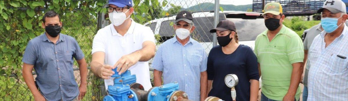 Alcalde inaugura segundo pozo de agua en Palmillas.