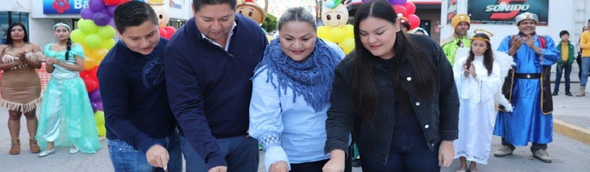 Autoridades municipales celebran el tradicional Día de Reyes Magos.