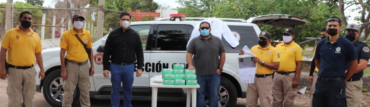 Alcalde de Escuinapa entrega vehículo a la Coordinación de Protección Civil.