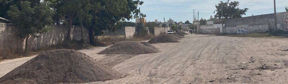 Continua rehabilitación de calles en distintas colonias de la cabecera municipal.