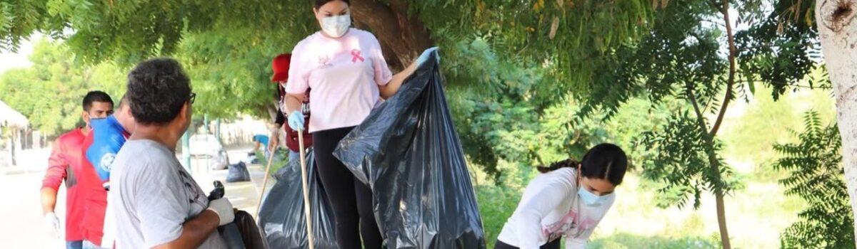 Limpian ciudadanos parte del arroyo Buñigas en el Malecón Siglo XXI; se recolecta más de tonelada y media de basura.