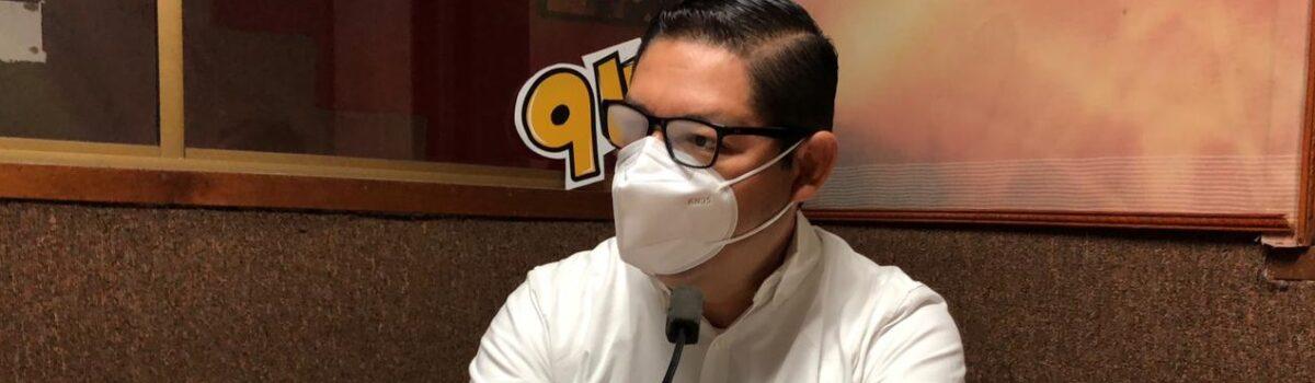 """""""No se vacuna al alcalde, se vacuna a un médico que ayuda al pueblo""""; Soto Grave."""