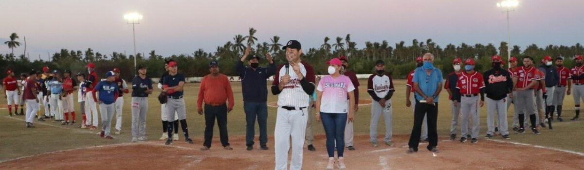 Alcalde de Escuinapa inaugura iluminación de estadio de beisbol de Teacapán con inversión de 600 mil pesos.